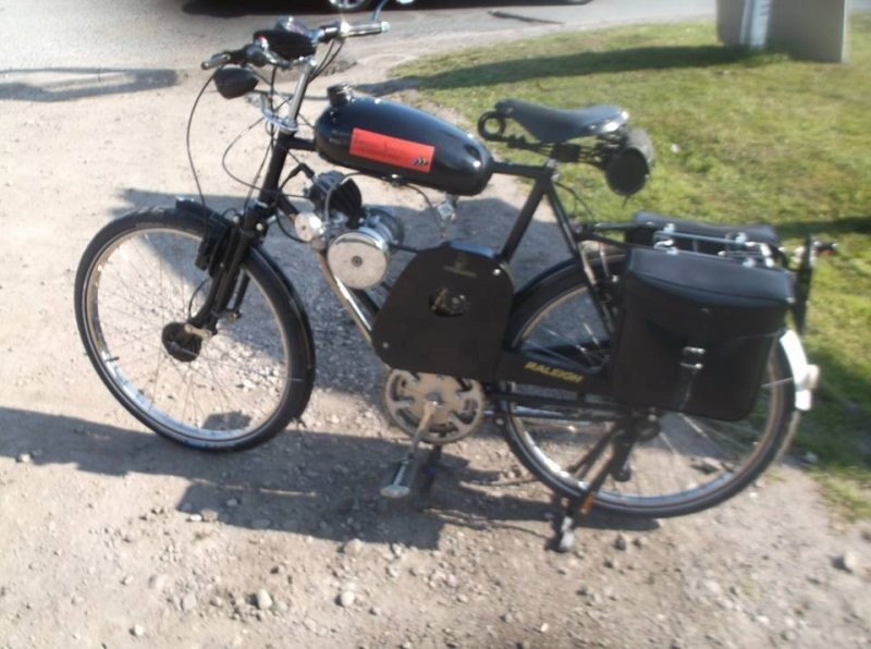Joe Swaine 75 cc opened out Minimotor trans Moby frame Raleigh.jpg