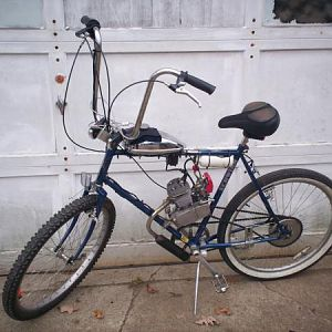 blue shwinn replaced the red schwinn & the frame broke under the gas tank by the tank mounts then I took it almost apart to build HELLBIKE