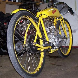 1915 cyclone replica, my first B&S all chain drive build started in the fall of 2009, finished about a year later.